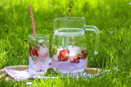 strawberry-drink-1412313_640